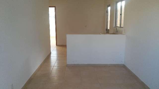 Casas prontas para morar em condomínio com lazer e portaria 24 horas.