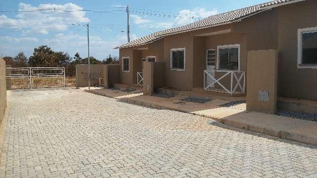 Casas em condomínio de baixo custo prontas para morar