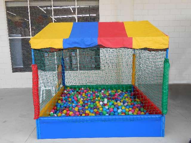 Locação piscina de bolinhas