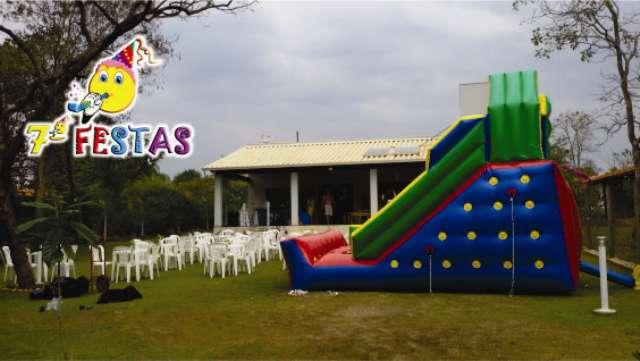 Muito mais seguro e confiável alugar tobogã da Sétima Festas