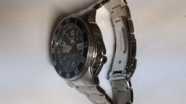 Relógio marca Seiko modelo Sport automático