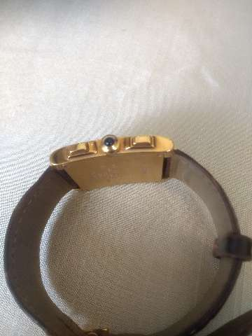 Relógio marca Cartier modelo tank Francês em ouro