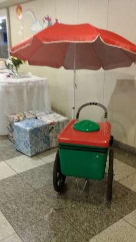 Aluguel de carrinho de picolés para festas e eventos
