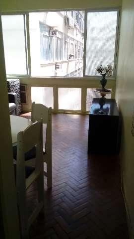 Quarto e Sala com dependência completa em Botafogo com taxas