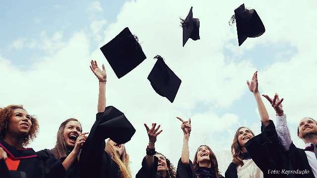 Forneço a venda de diploma superior