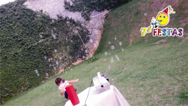 Essa máquina salta várias bolhas ao mesmo tempo