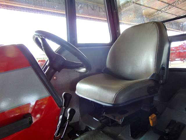 Trator massey Ferguson Modelo: 275 4x4 Advanced