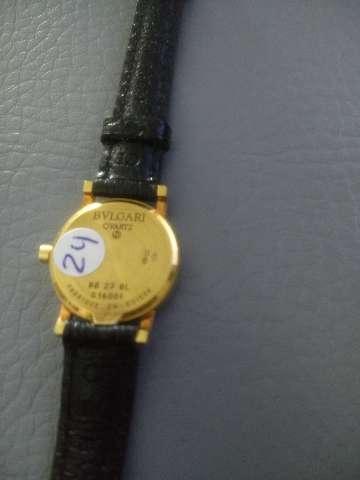 Relógio marca byugari modelo BB 22 caixa em ouro