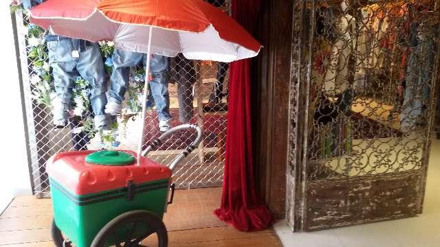 Locamos carrinho de picolés para festas e eventos.